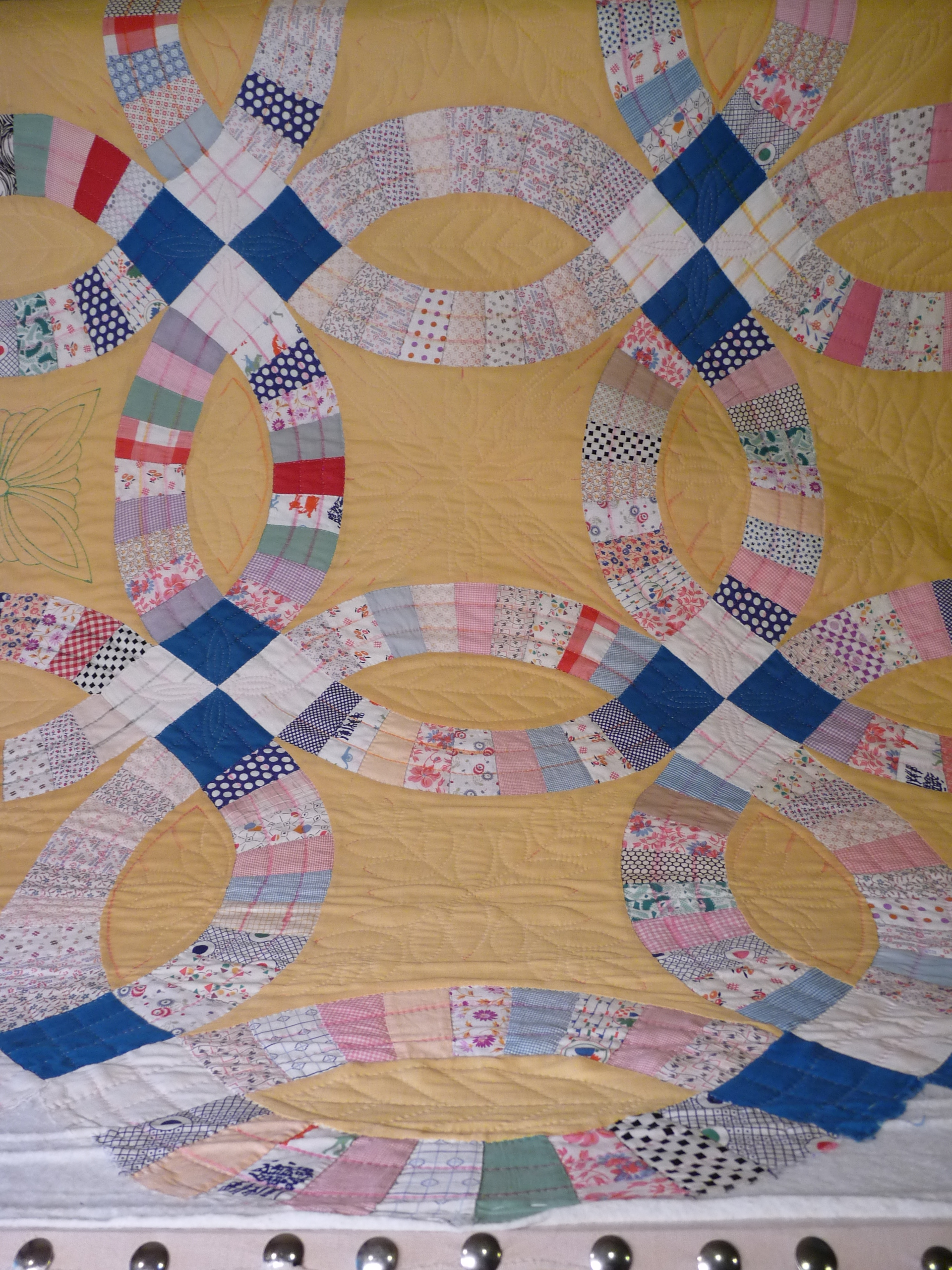 One Large Antique Double Wedding Ring Quilt Marionberry Quilter